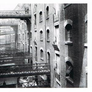 Butler's Wharf in London (1910)