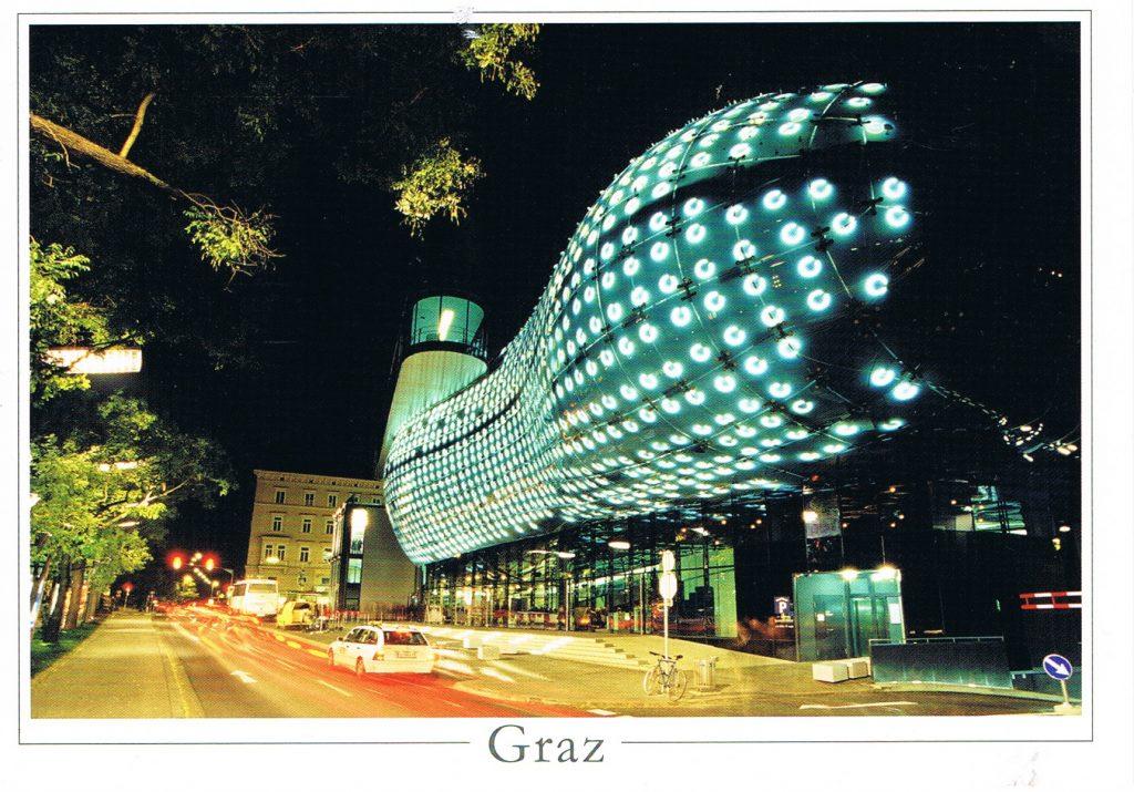 Kunsthaus Graz bei Nacht